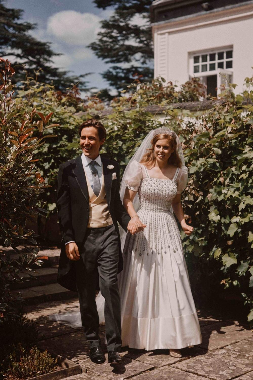Beatriz de York y su ya marido Edoardo Mapelli después de la boda.