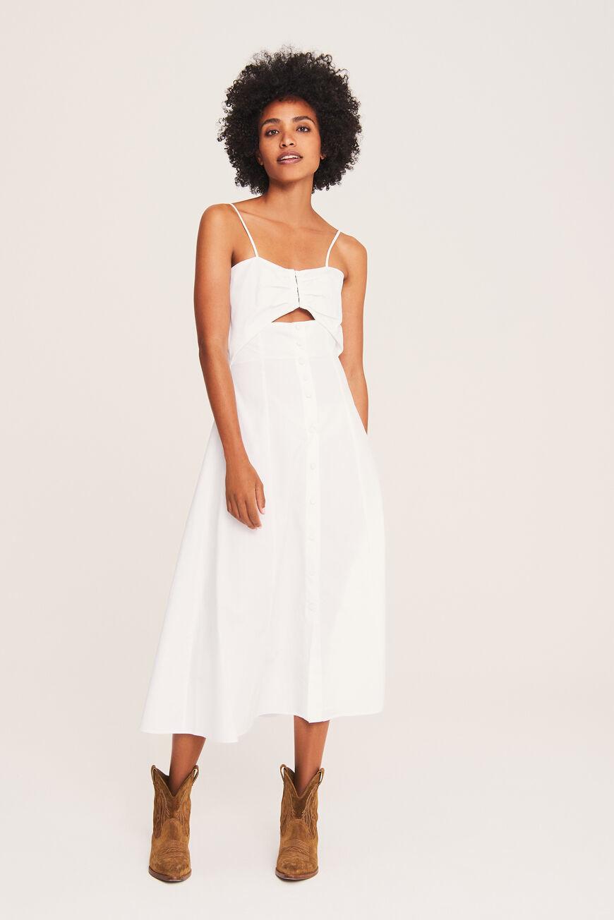 Vestido blanco de Bash.