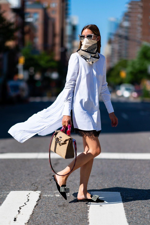 Olivia Palermo con una camisa blanca.