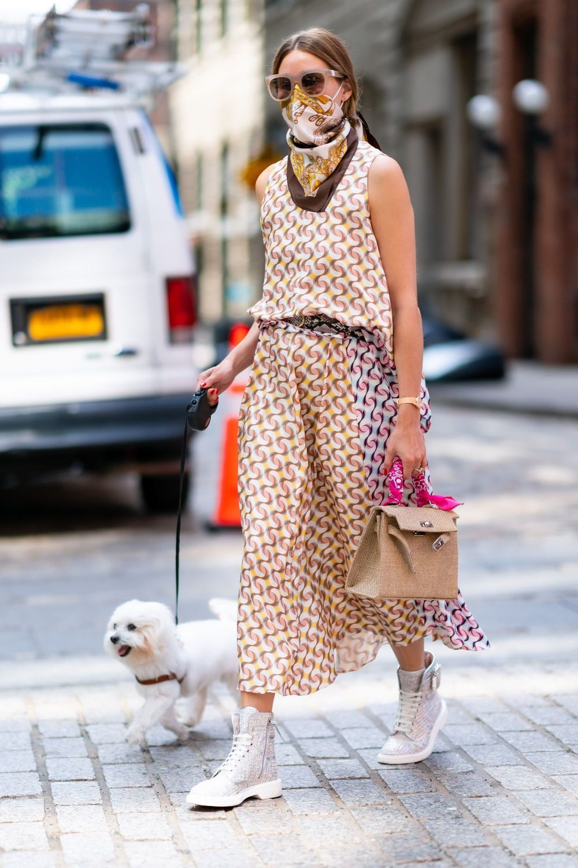 Olivia Palermo con vestido en print.