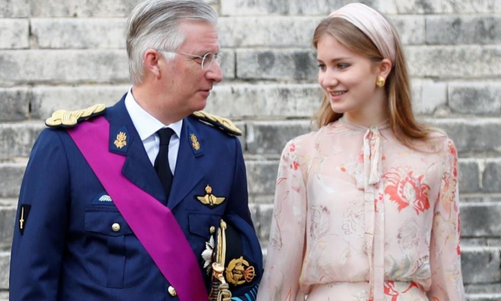 Elisabeth de Bélgica junto a su padre.