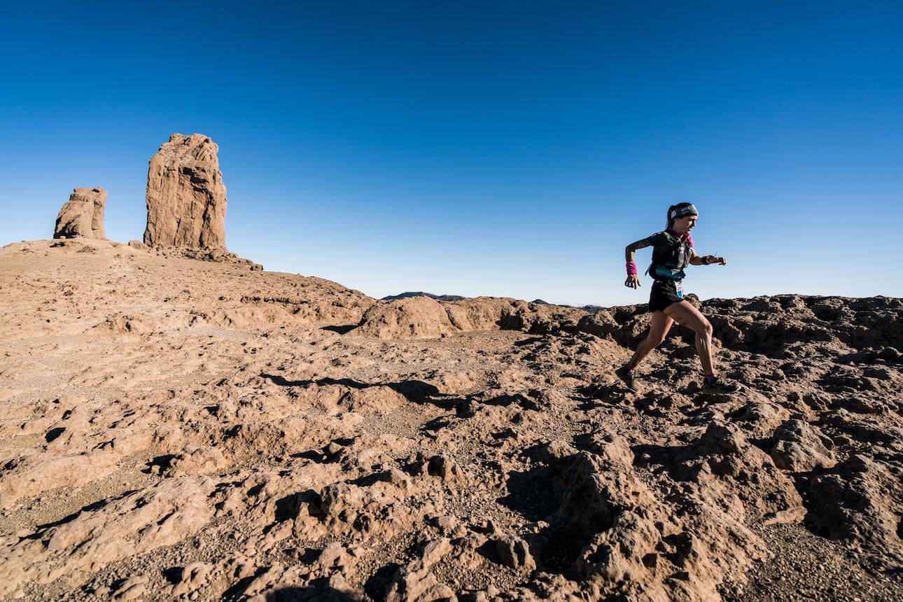 Deporte a casi 2000 metros de altitud en el Roque Nublo, Gran Canaria.