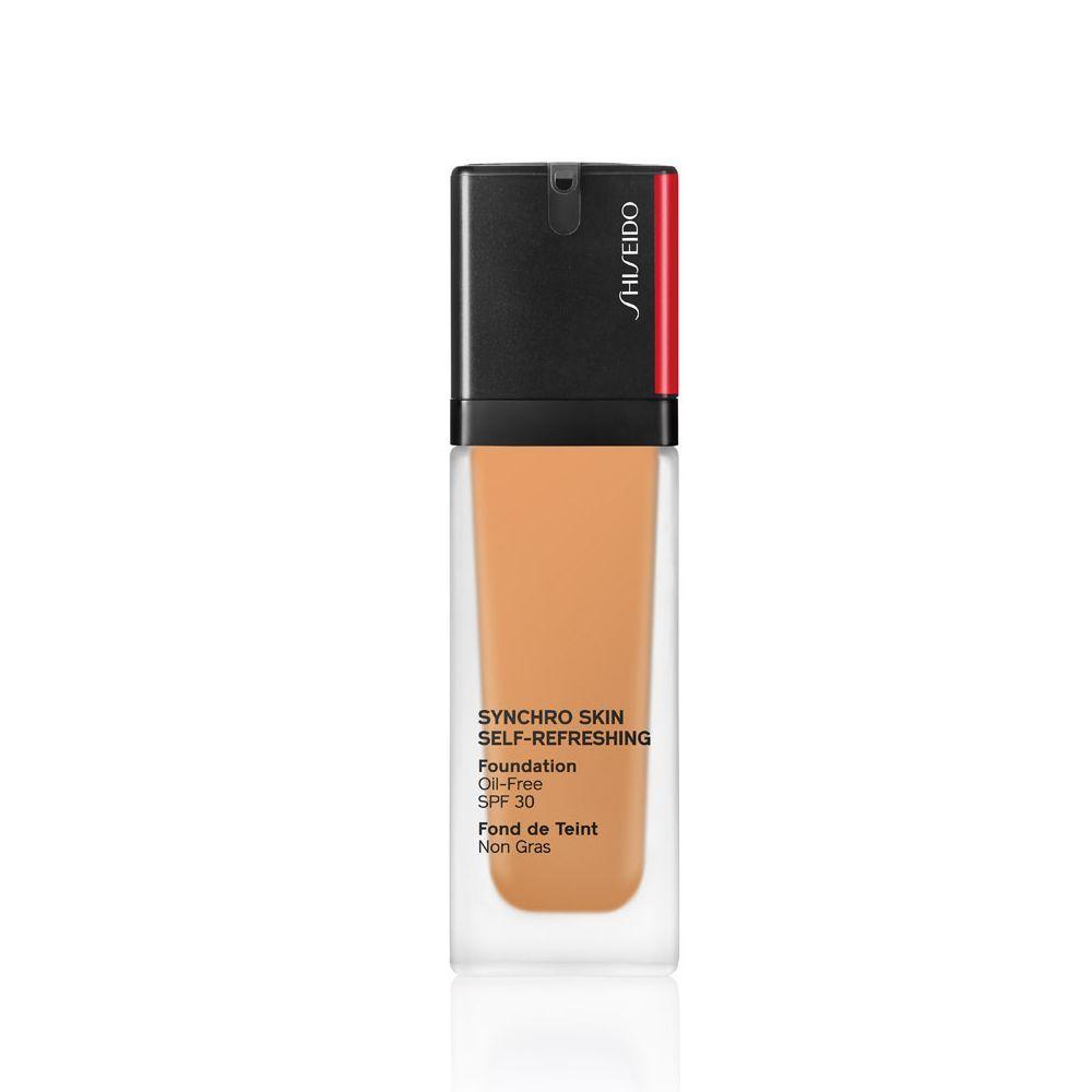 Synchro Skin Self-Refreshing Foundation SPF 30 de Shiseido (52,50 euros) con activos antioxidantes y antiedad que se ajustan a tu piel.