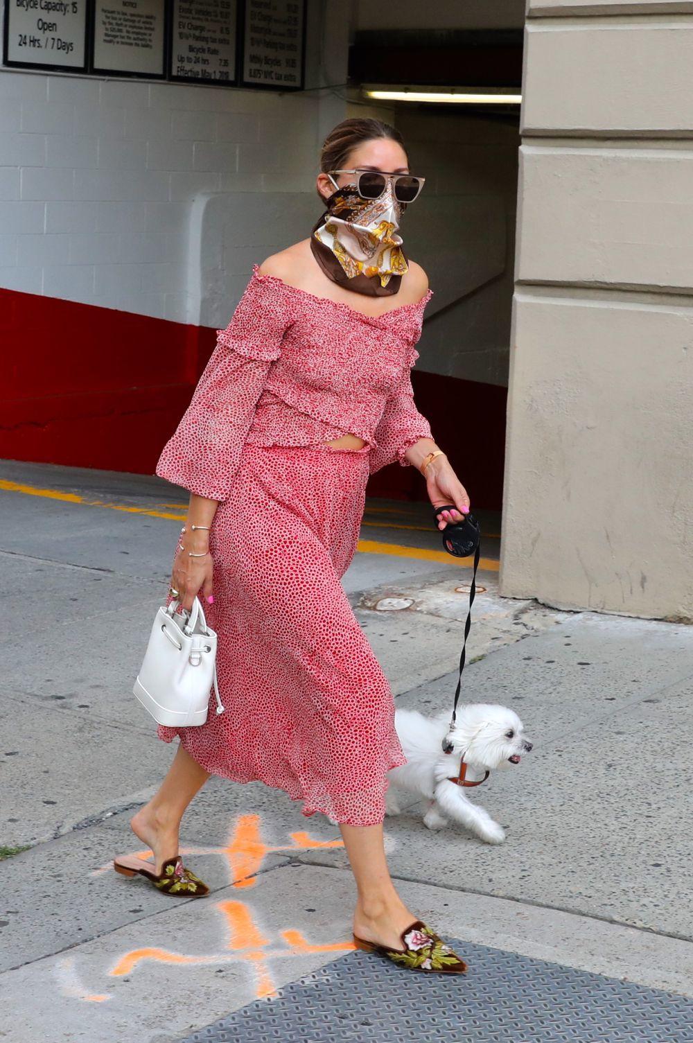 Olivia Palermo con el look definitivo del verano.