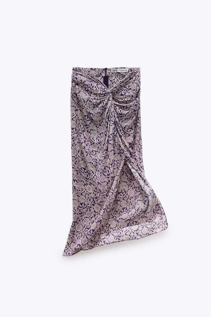 Falda de nudo de Zara (29,95 euros).