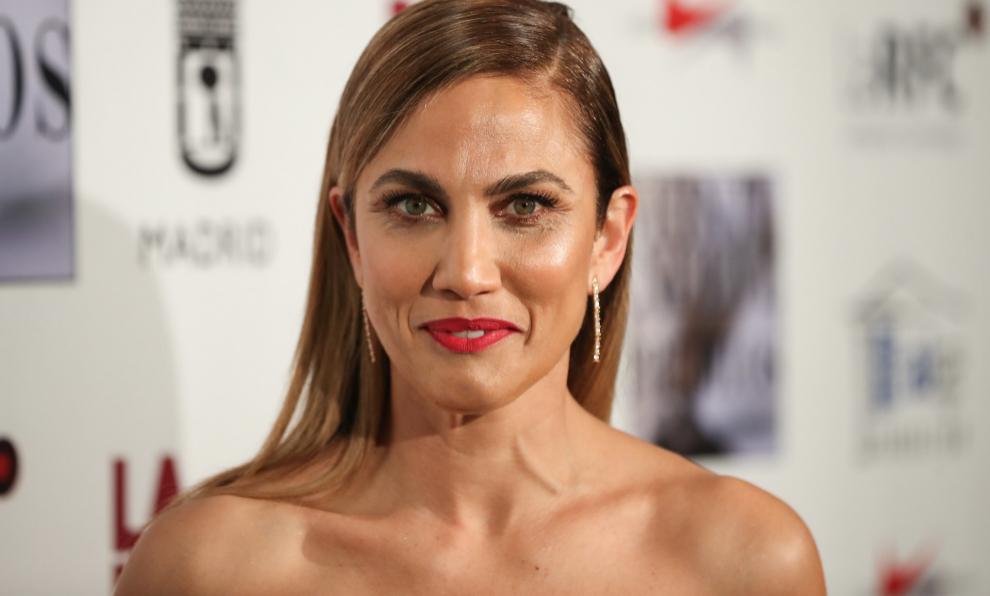 Toni Acosta tiene un pelo muy rizado que pocas veces muestra en la...