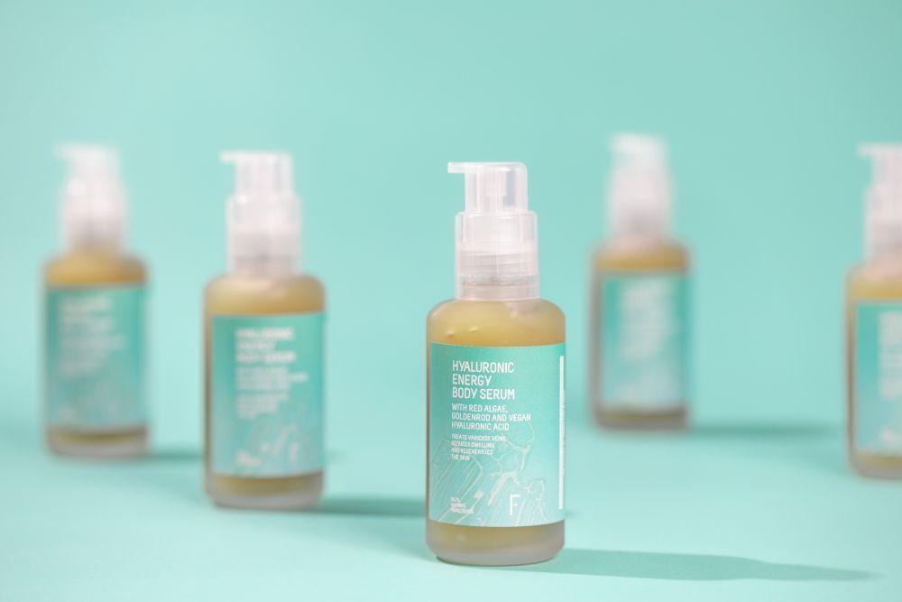 La textura refrescante del nuevo corporal de Freshly Cosmetics proporciona una sensación de confort de forma inmediata.