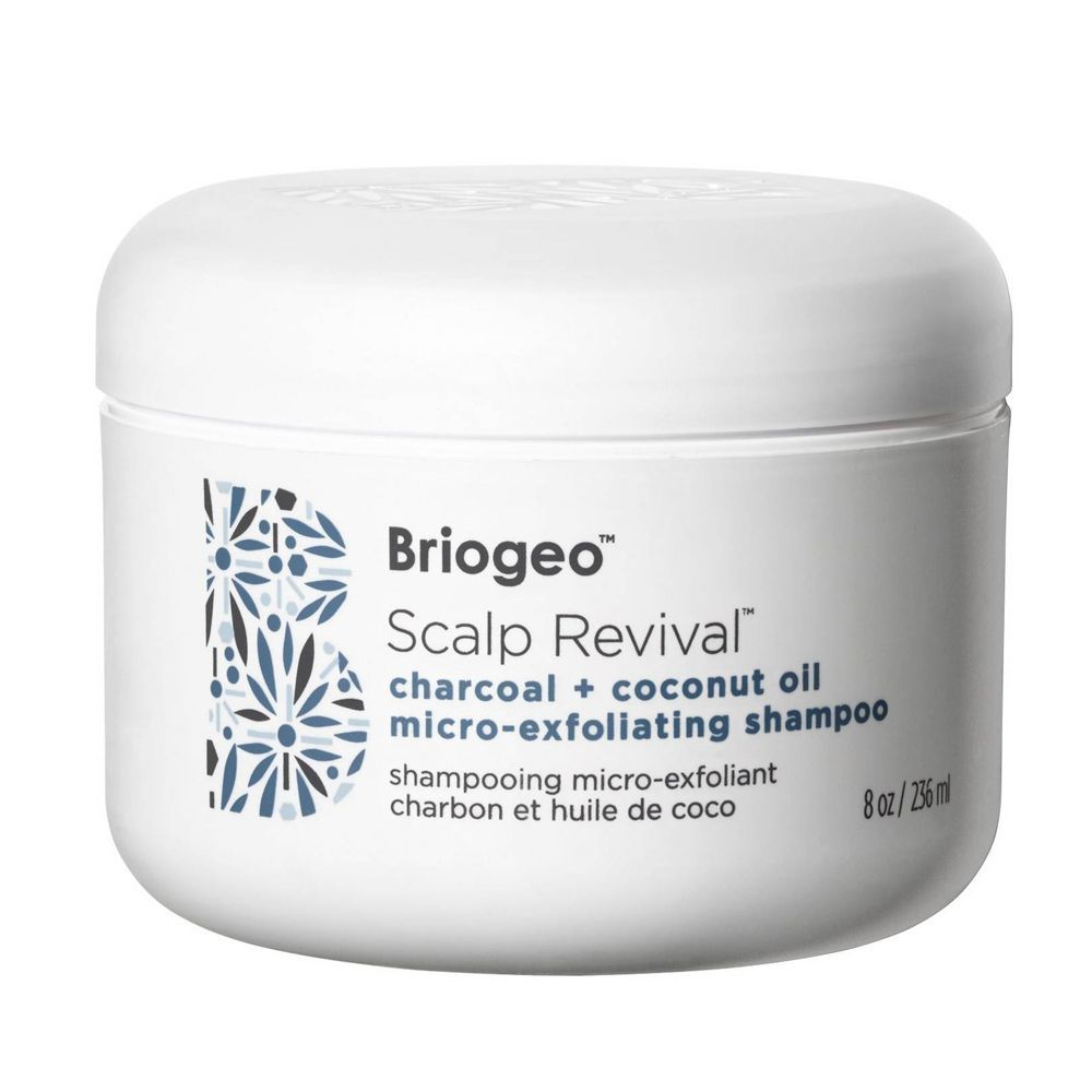 Champú microexfoliante Scalp Revival Charcoal de Briogeo.