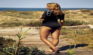 Así puedes mantener tus ondas surferas en verano.