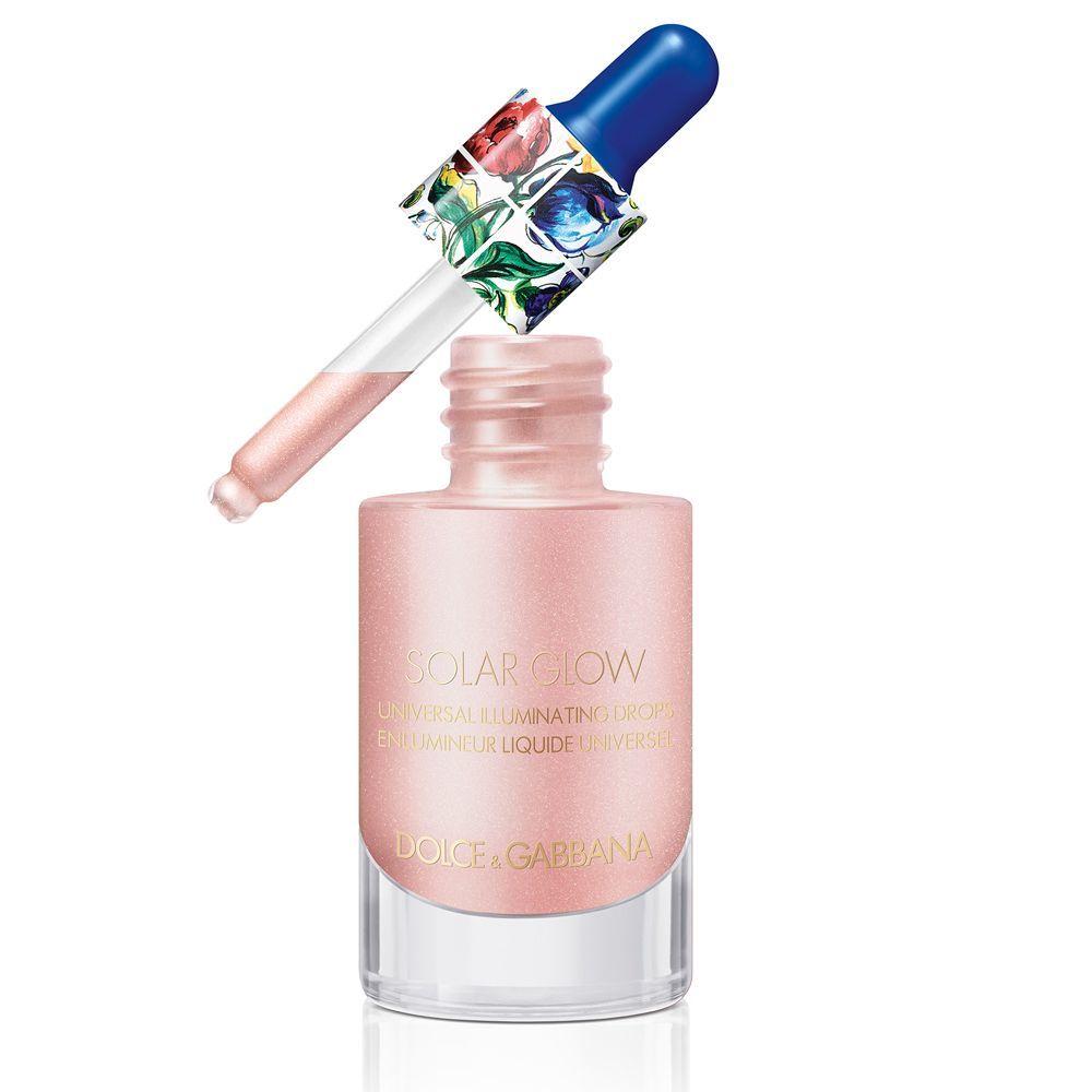 Solar Glow Universal Illuminating Drops de Dolce & Gabbana (45 euros) que se pueden mezclar con tu crema hidratante o tu base de maquillaje para una buena cara instantánea.