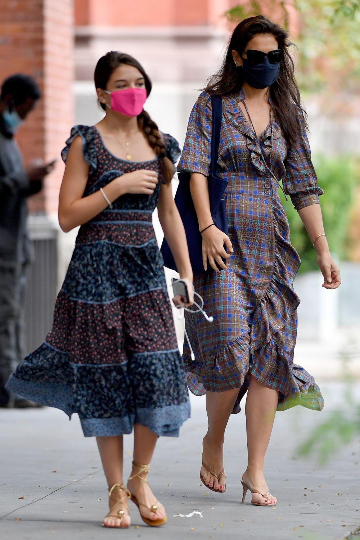 Katie Holmes y Suri Cruise paseando por Nueva York.