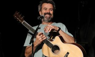 Pau Donés, en uno de sus últimos conciertos, en diciembre de 2019.
