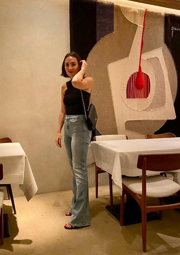 Los vaqueros anchos, una de las prendas fetiche de Tamara Falcó.