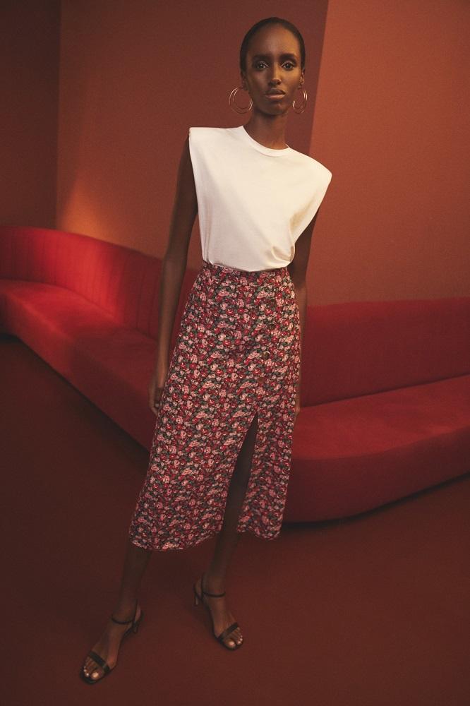 Comodidad, buen precio y estilo, así es la moda para mujer de Lefties.
