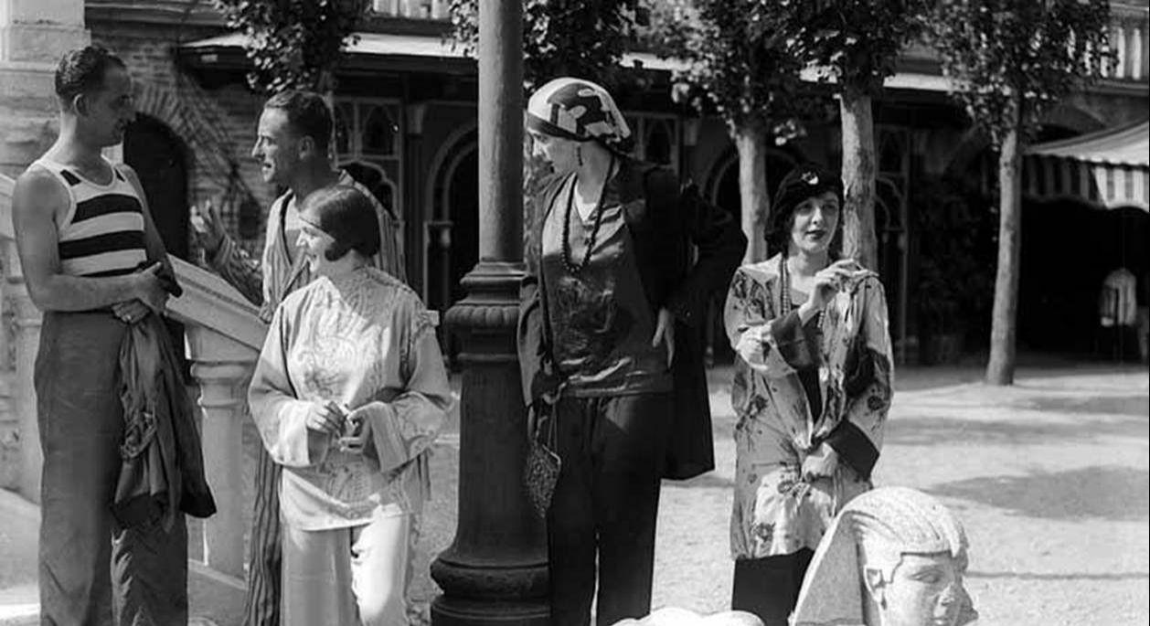 Clientes del Excelsior a comienzos del siglo XX.