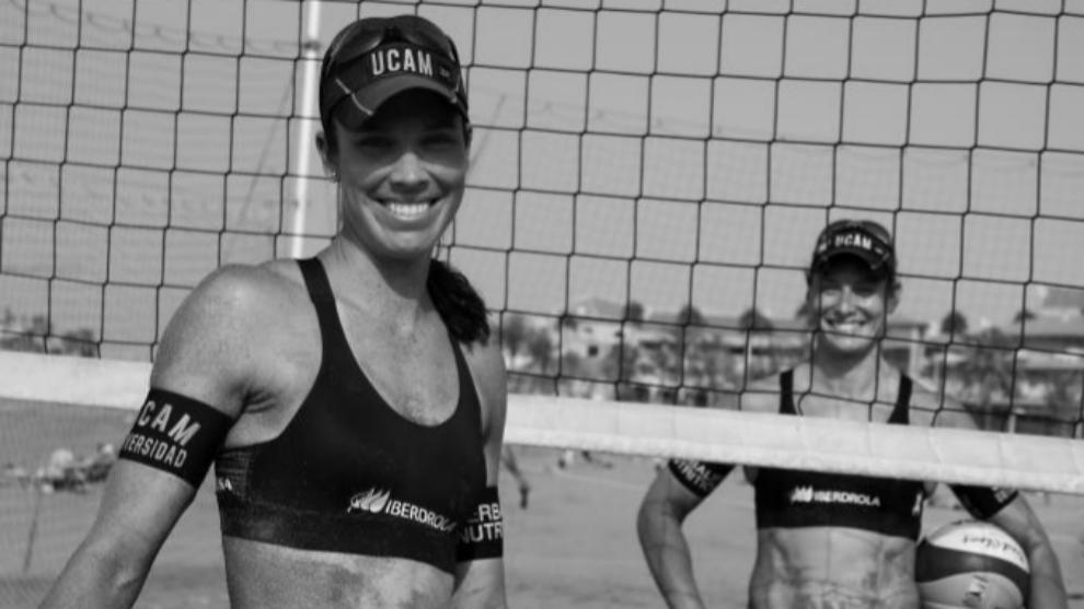 Las campeonas de vóley playa Elsa Baquerizo McMillan y Liliana...