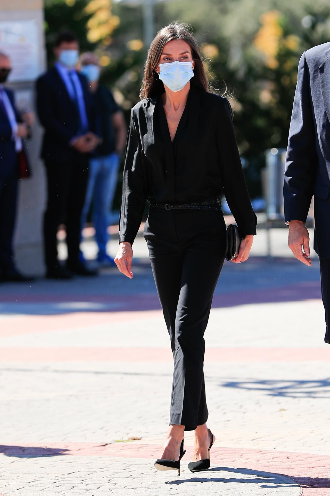 La reina Letizia acude al tanatorio para despedir a Jaime Carvajal...