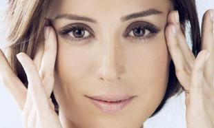 Tamara Falcó tiene una piel impoluta que confía a Sisley para todos...