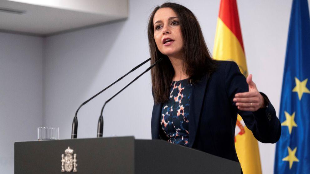 Inés Arrimadas durante una rueda de prensa.