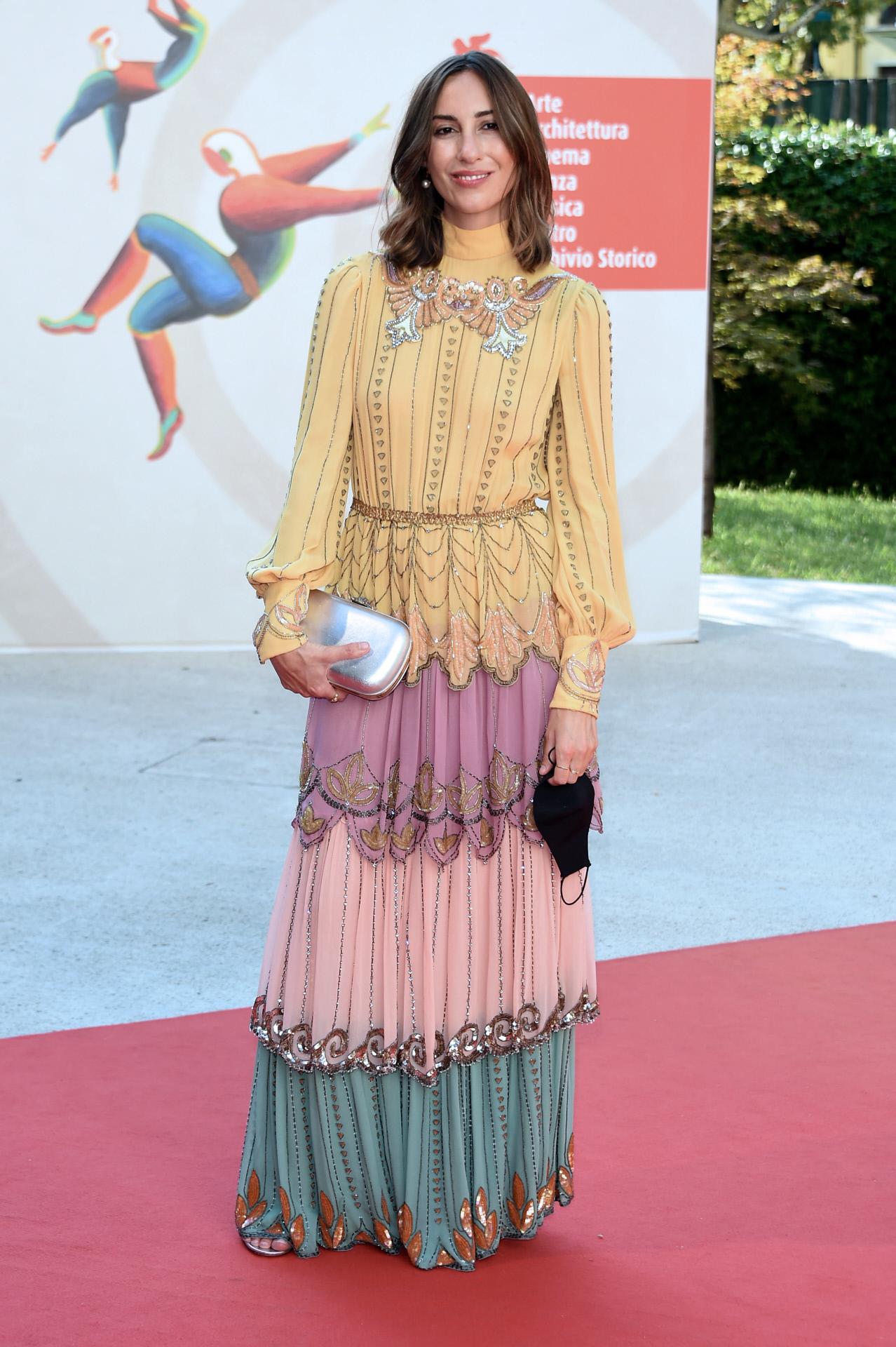 La directora de cine Gia Coppola con vestido de Gucci.