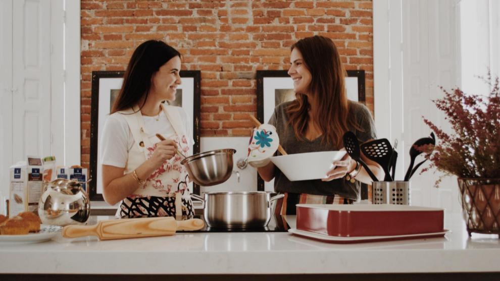Belén y a Moira, dos amigas unidas por los dulces que, durante el...