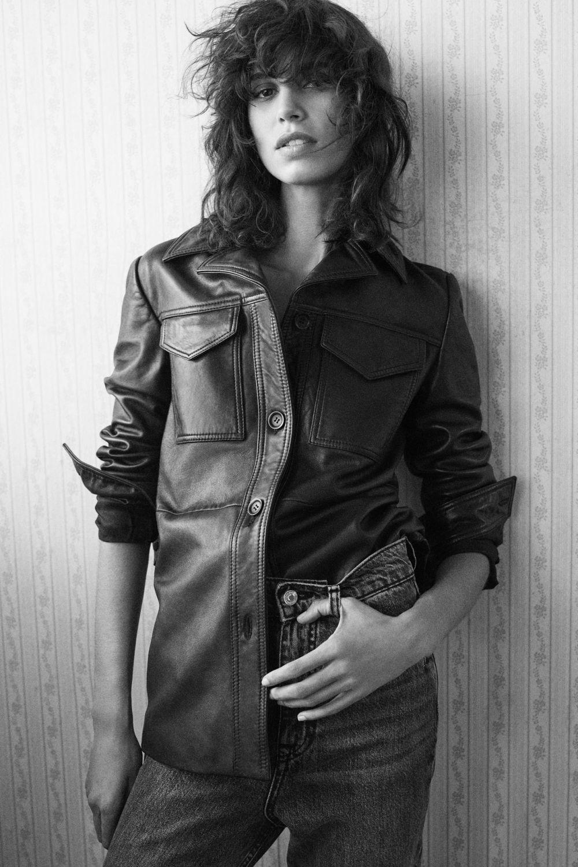 El swag o corte shaggy con Mica Argañaraz como protagonista de la nueva colección de Zara otoño invierno 2020 2021.