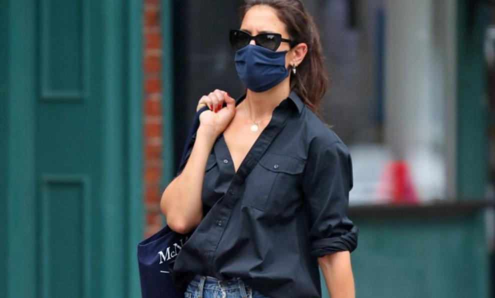 Katie Holmes es una maestra a la hora de llevar los jeans.