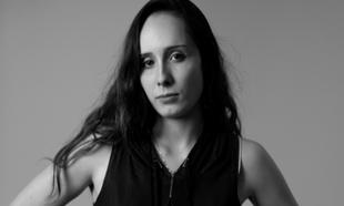 Julia G Escribà hace que las piezas tengan la capacidad de absorber,...