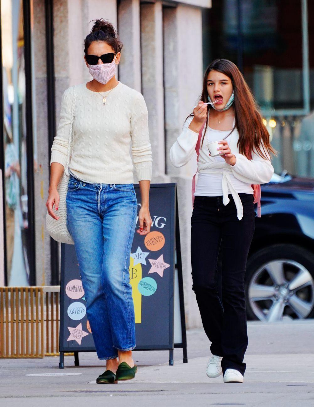 Katie Holmes con su hija Suri.