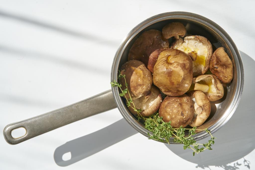 Las setas y los hongos son ideales para las cenas por composición, principalmente de agua.