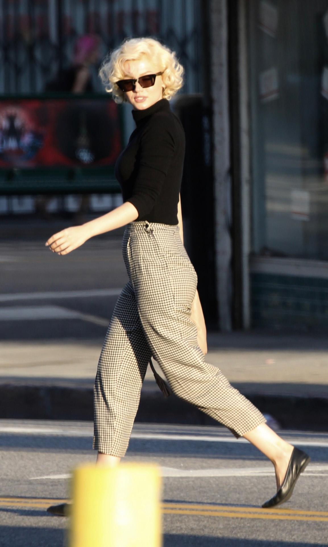 Ana de Armas caracterizada como Marilyn Monroe el año pasado en Los Ángeles.
