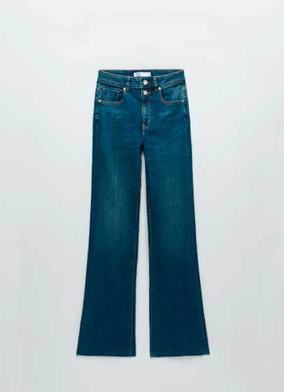 Jeans de Zara (25,95 euros).