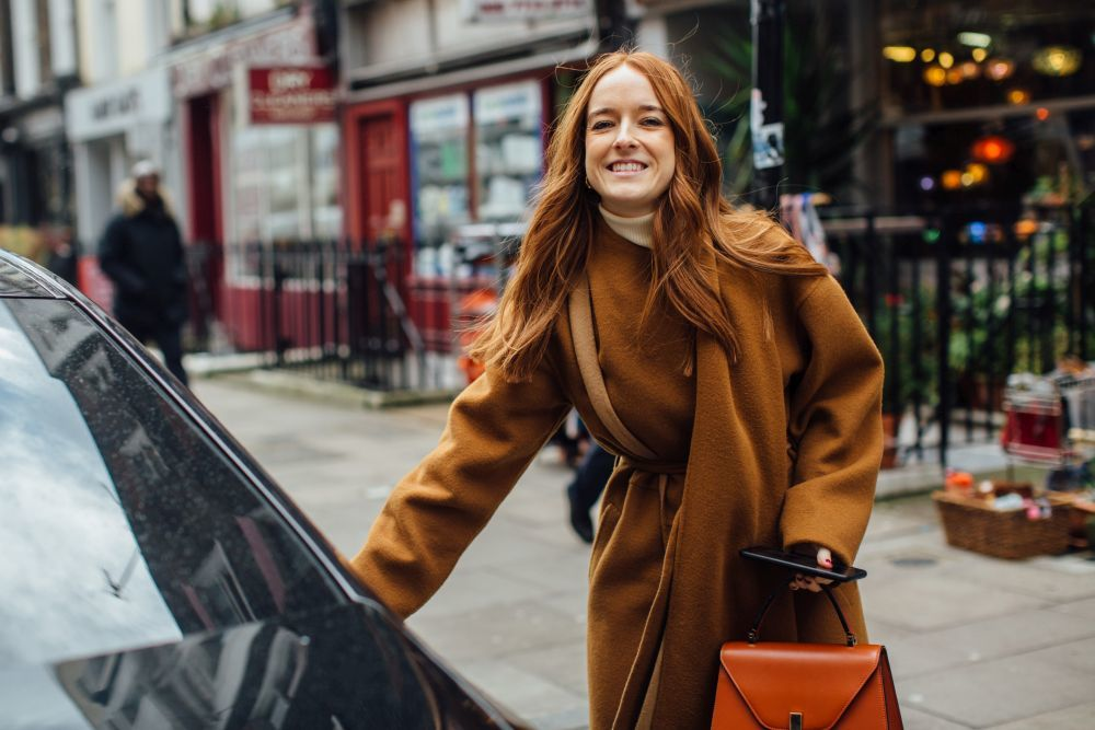 En el street style de Londres de cara a esta temporada, hemos encontrado melenas cobrizas tan inspiradoras como ésta.