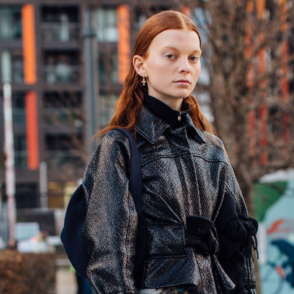 Para pieles más pálidas, nada como un pelo cobrizo con matices más anaranjados.