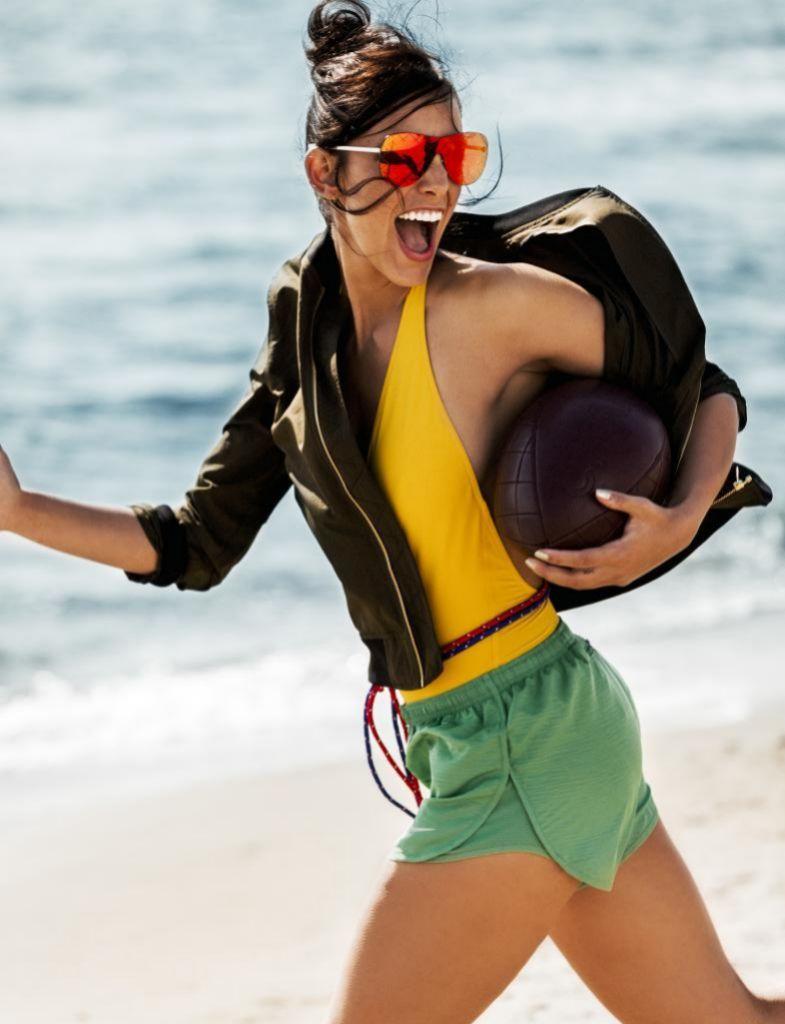 La vitamina D se sintetiza gracias a la acción de sol.