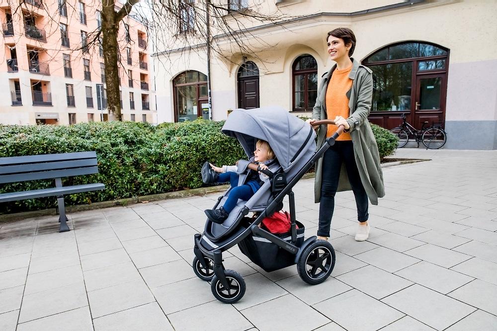 SMILE III es el nuevo carrito para bebés de Britax Römer, que se...