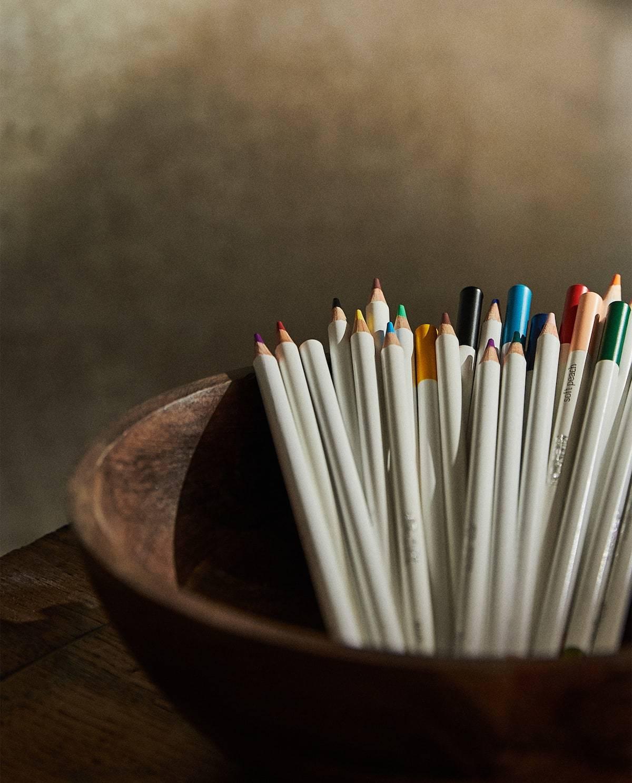 Lápices de colores Winsor and Newton. 12,99 euros.
