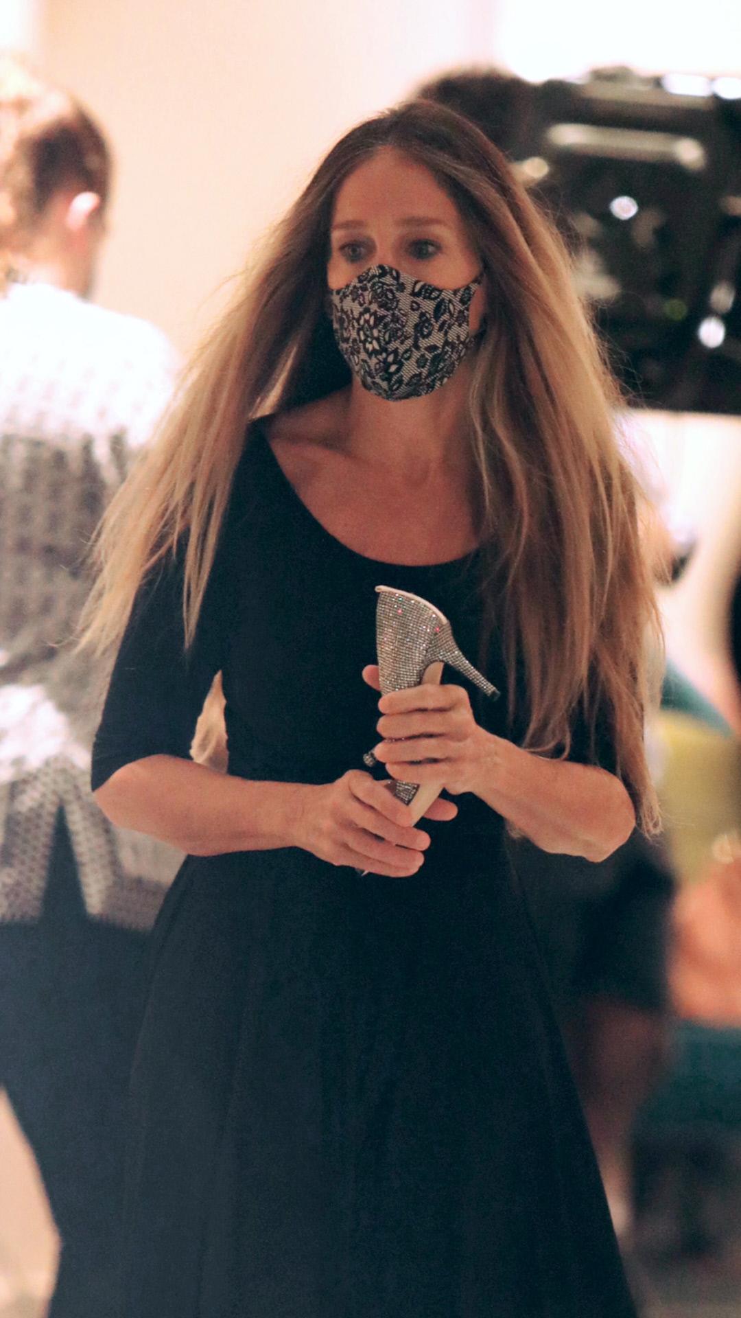 Sarah Jessica Parker con mascarilla de Wolford.