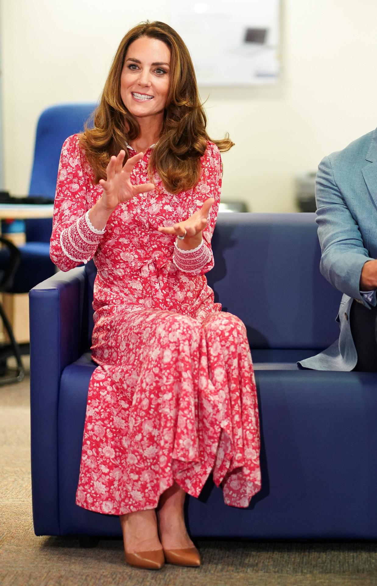 Kate Middleton con vestido de Beulah London.