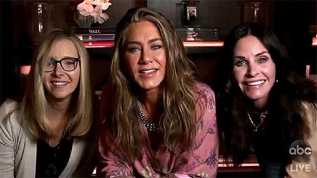 Lisa Kudrow, Jennifer Aniston y Courteney Cox durante su reencuentro...