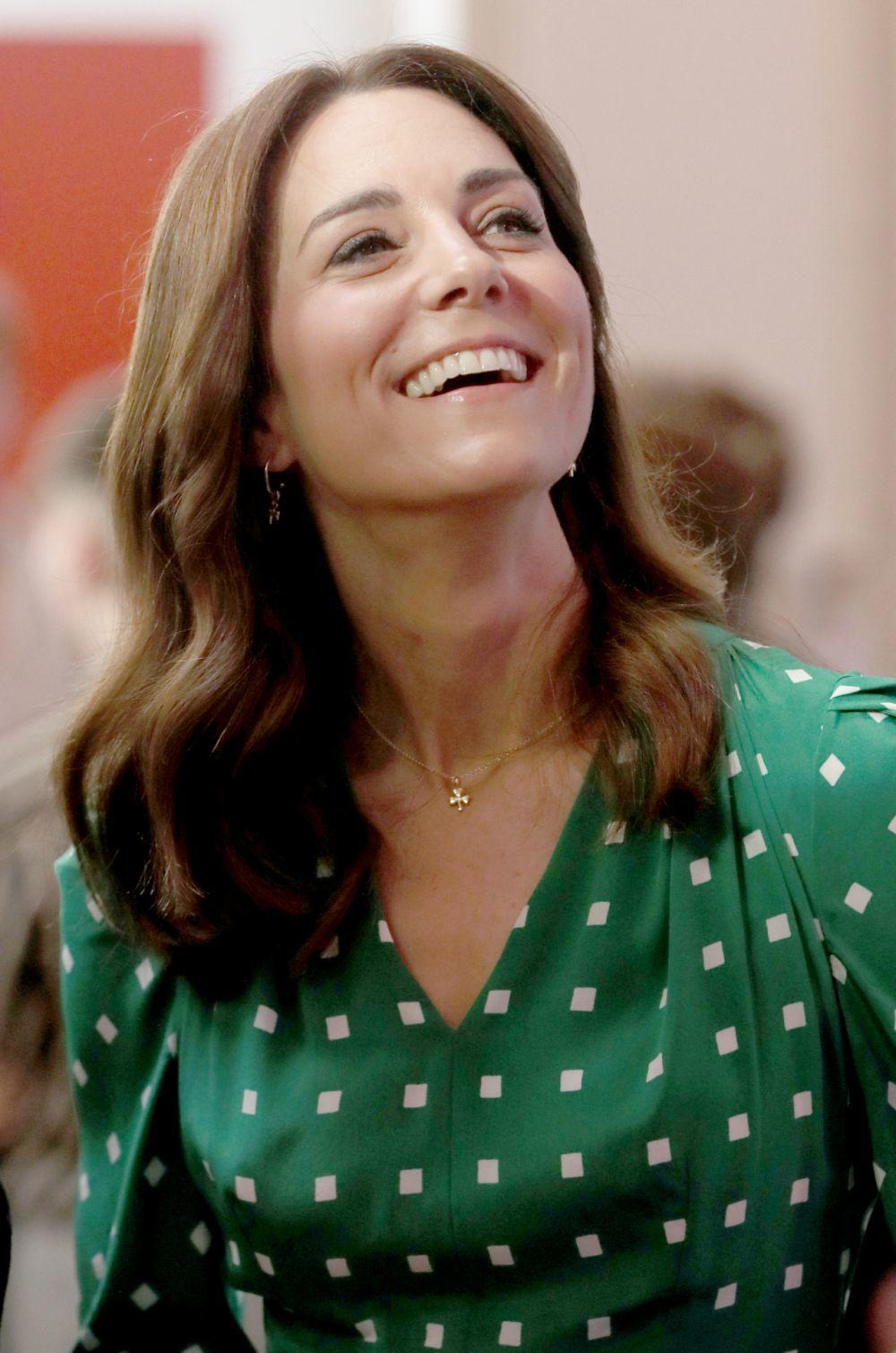 La duquesa de Cambridge se rinde a las bondades de la muselina como producto fundamental para su limpieza del rostro.