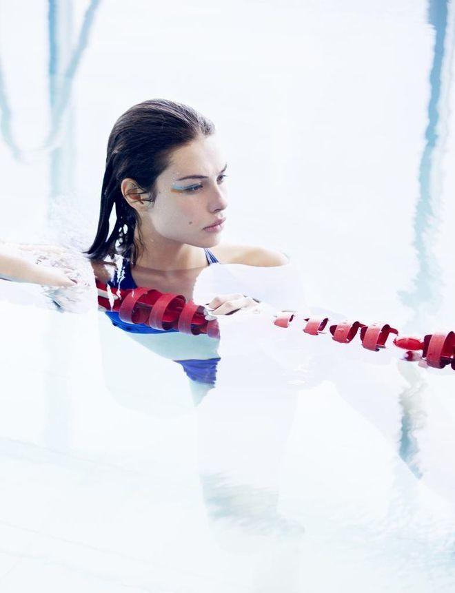 La actividad física en el agua tiene poco impacto y, sin embargo,...