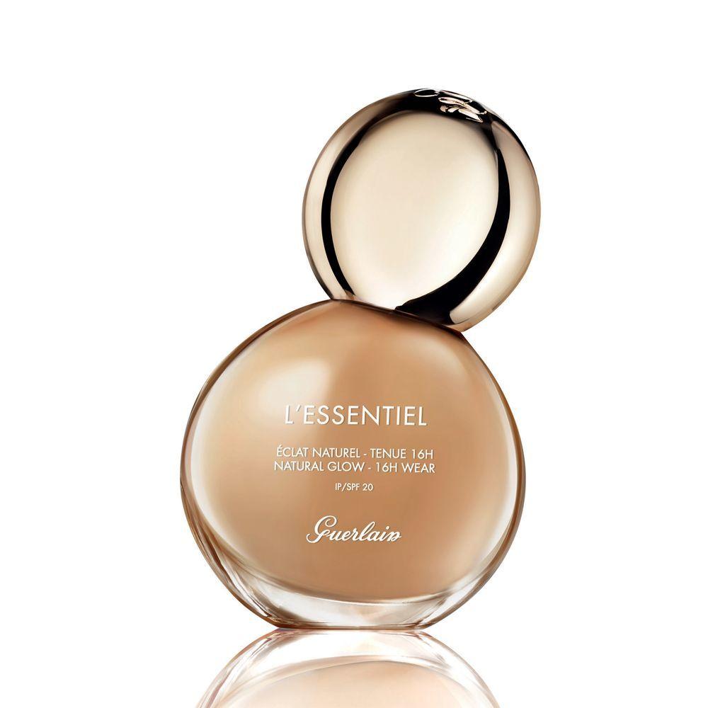 Base de maquillaje luminosidad natural LEssentiel de Guerlain (55 euros).