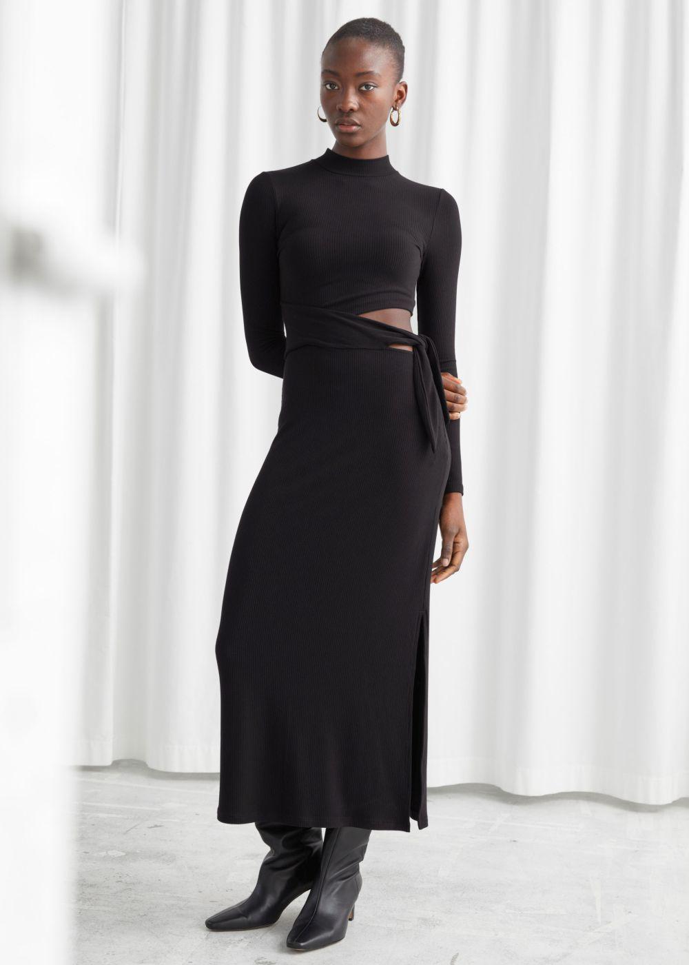 Vestido negro de &Other Stories.