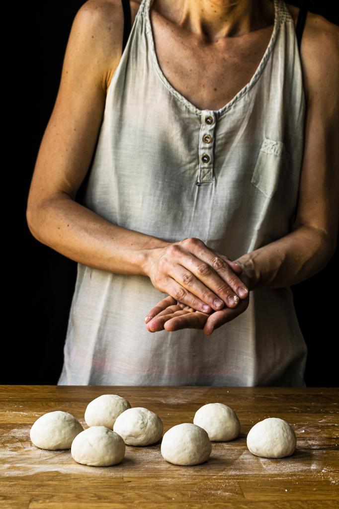 Preparar la masa de  los guao bao