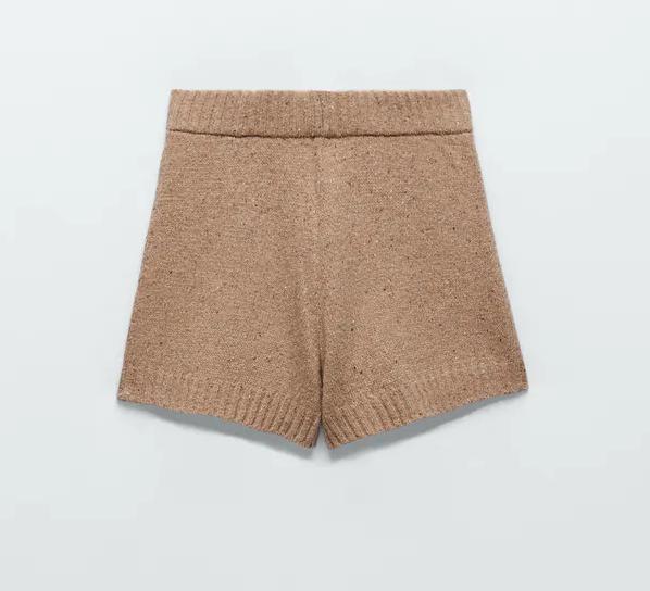 Short de punto con lana recliclada de Zara (19,95 euros).