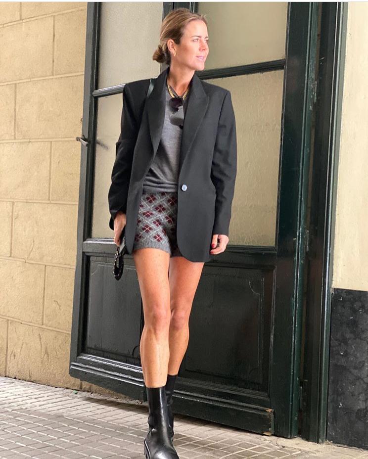 Amelia Bono con short de punto de Zara.