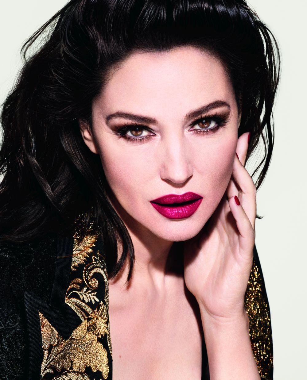 Monica, espectacula en la campaña del relanzamiento de la línea beauty de Dolce&Gabbana en 2019.
