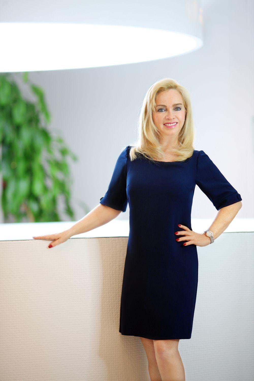 Isabelle Picou, directora de relaciones públicas de Clarins.