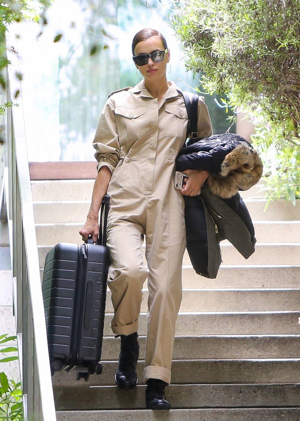 Irina Shayk con mono de trabajo.
